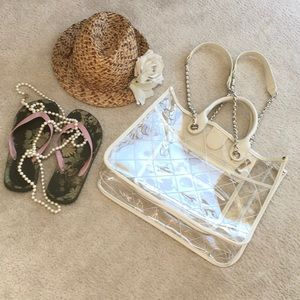 IVORY-CLEAR LEATHER & PLASTIC TRAVEL-MAkE-UP BAG